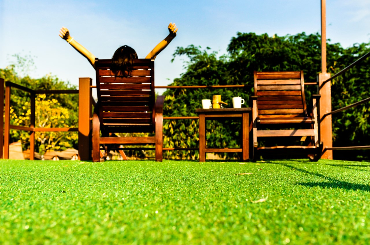 Install an Artificial Lawn and Enjoy Your Garden This Summer